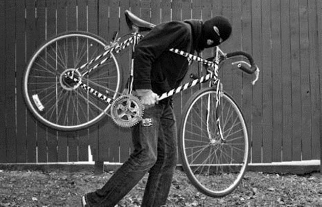 """Результат пошуку зображень за запитом """"Недешевим велосипедом, залишеним 25-річним власником без нагляду біля місцевого магазину, спокусився, як виявилося, раніше судимий зловмисник."""""""