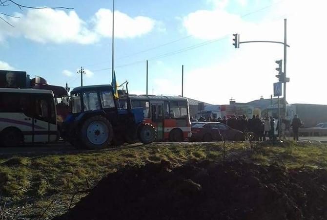 Біля Львова фермери-протестувальники заблокували трасу Київ-Чоп