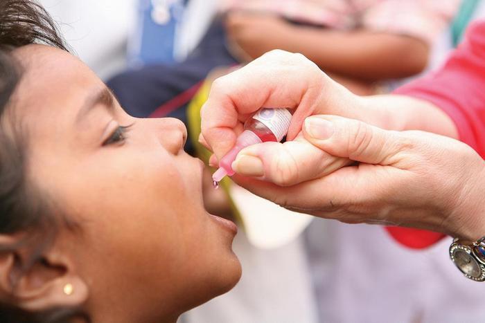 щеплення поліомієліт