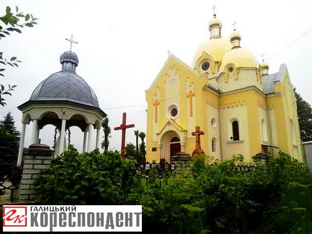 TSerkva-Rizdva-Prysvyatoyi-Bogorodytsi (1)