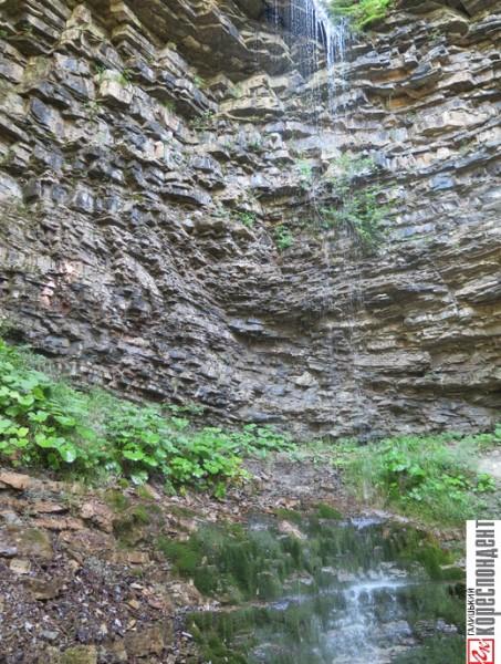 крапельковий водоспад