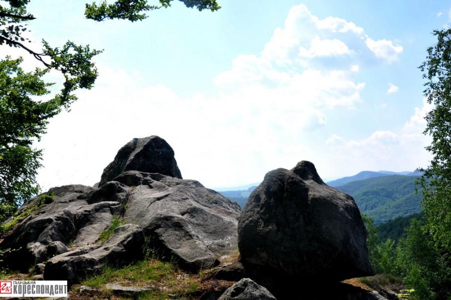 9. Павлівський камінь