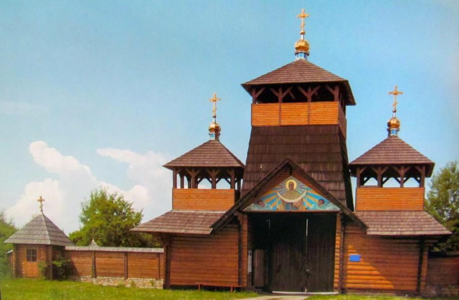 02-ugornytskyj-spaso-preobrazhenskyj-monastyr