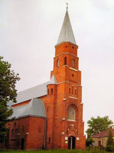 09-neogotychnyj-kostel-v-otyniyi