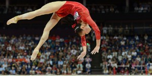 China's gymnast Sui Lu performs during the women' s beam final of the artistic gymnastics event of the London Olympic Games on August 7, 2012 at the 02 North Greenwich Arena in London. AFP PHOTO / EMMANUEL DUNAND