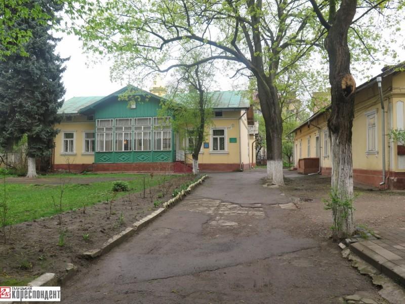Міська влада активно воює за приміщення колишнього садка на вул. Чорновола, 6 з єпархією УПЦ МП