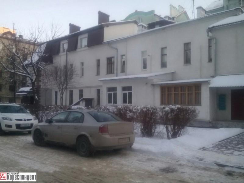У 1997 р. був ліквідований ДНЗ №9 «Соловейко» на вул. Незалежності, 36Б. Приміщення переобладнали під житло для освітян