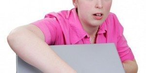 laptop-notebook-woman-thief-e1364319117484-573x600