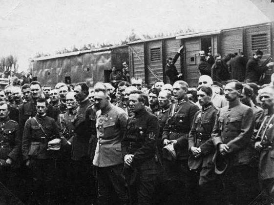 Зустріч Ю. Пілсудського та С. Петлюри у Станиславові. Серпень 1920 р.