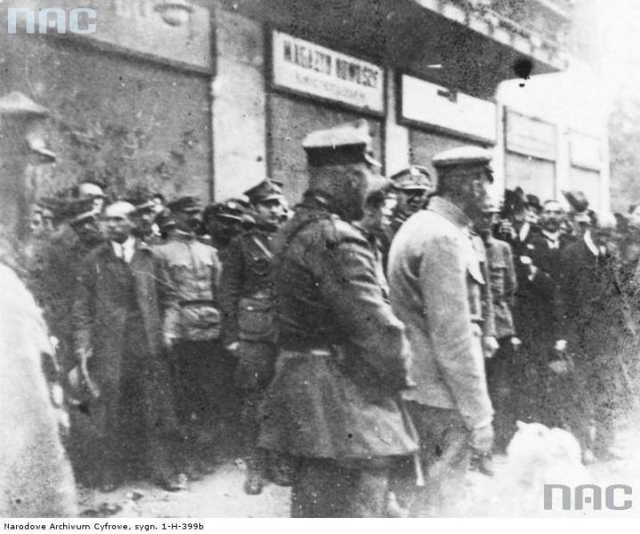 Ю. Пілсудський у Станиславові. 1920 р. Фото М. Єндрика