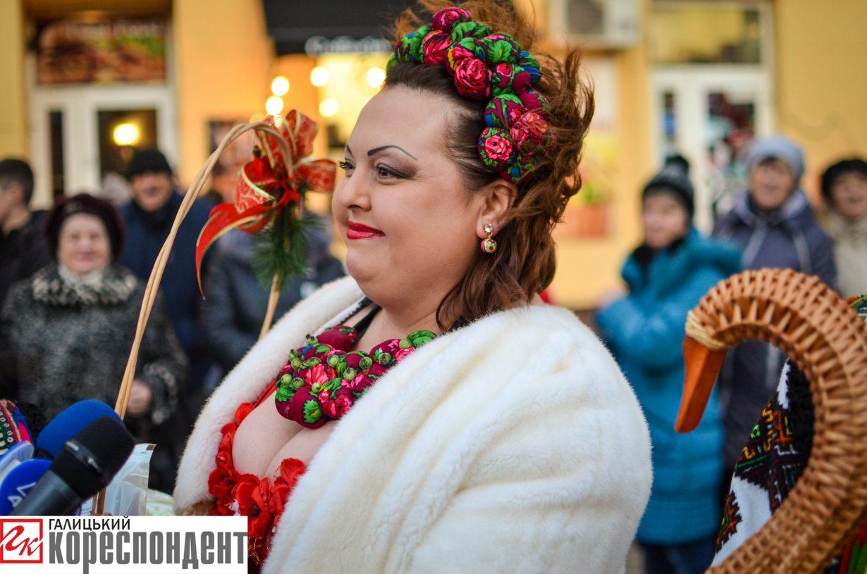 У Франківську запрацював різдвяний ярмарок. ФОТО, фото-10