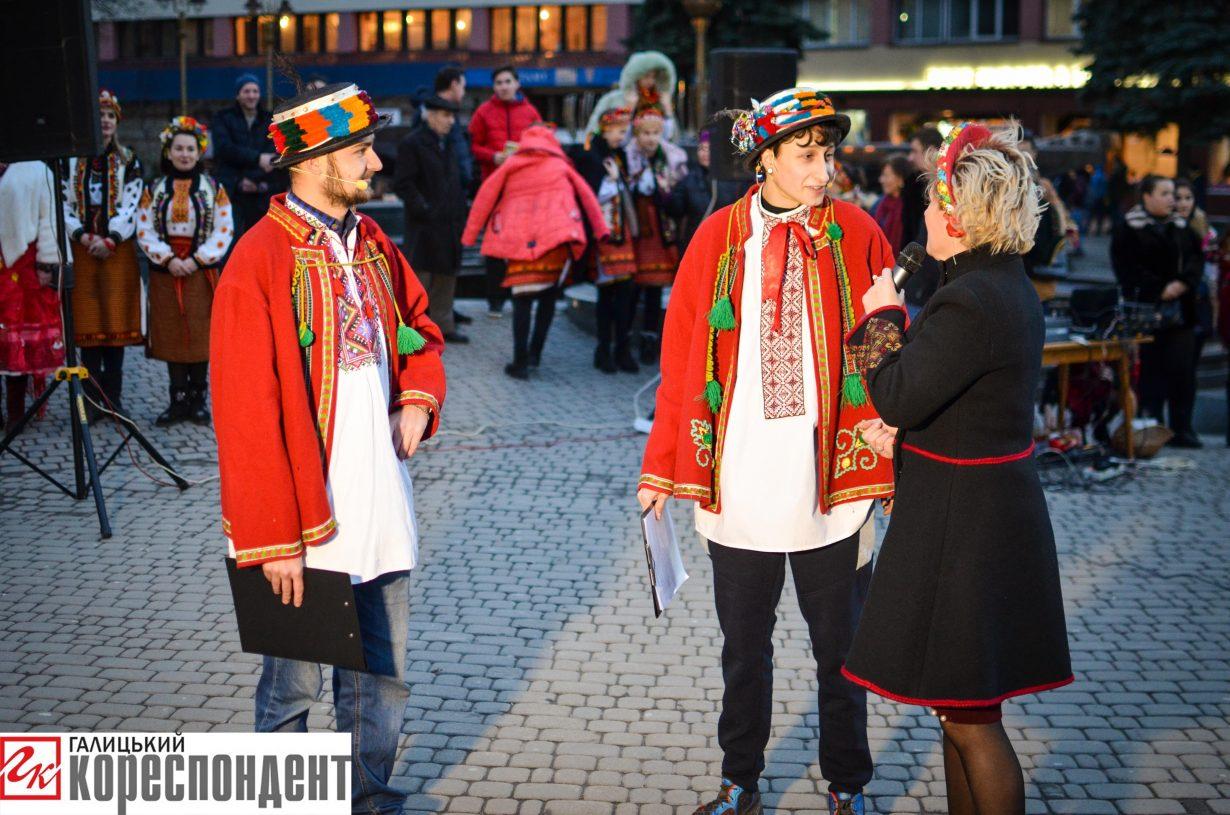 У Франківську запрацював різдвяний ярмарок. ФОТО, фото-13