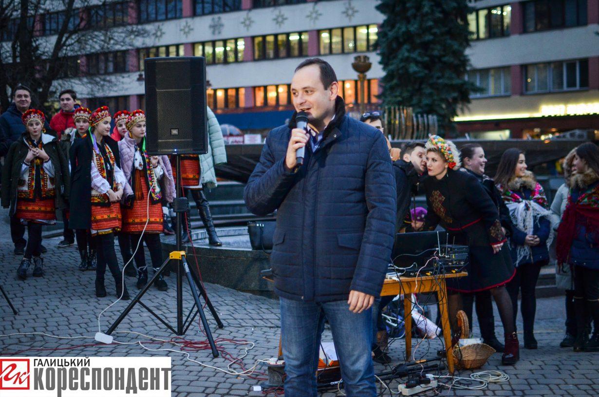 У Франківську запрацював різдвяний ярмарок. ФОТО, фото-14
