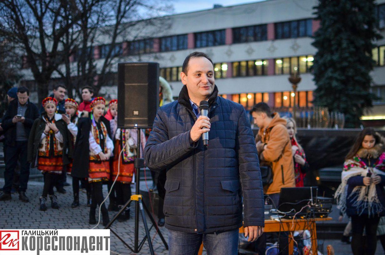 У Франківську запрацював різдвяний ярмарок. ФОТО, фото-15