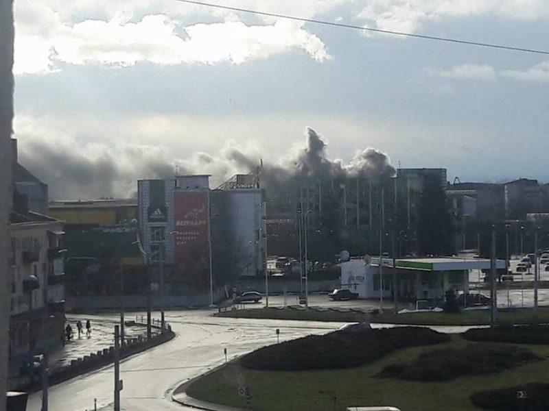 На виїзді з Івано-Франківська трапилась масштабна пожежа (фото)