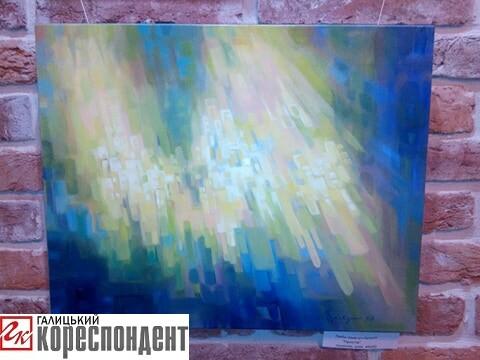 Початок весни: у Франківську львівська художниця презентувала свою виставку (фото)