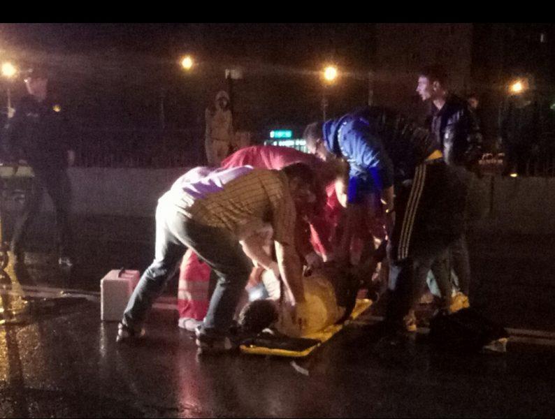 На Пасічній авто збило велосипедиста і втекло. Постраждалий дуже сильно покалічений (фотофакт)
