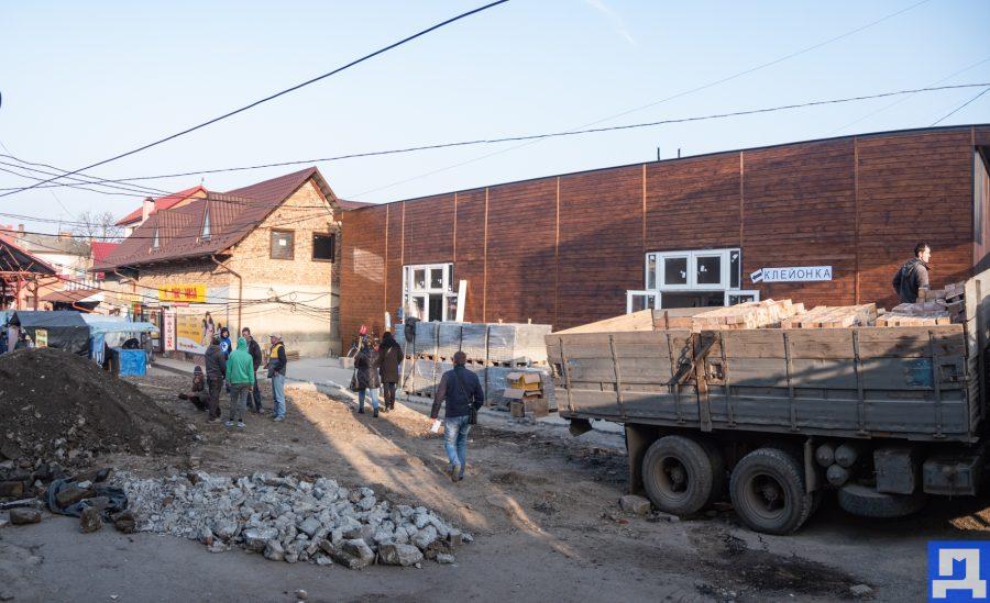 У Коломиї проводять реконструкцію продовольчого ринку (фотофакт)