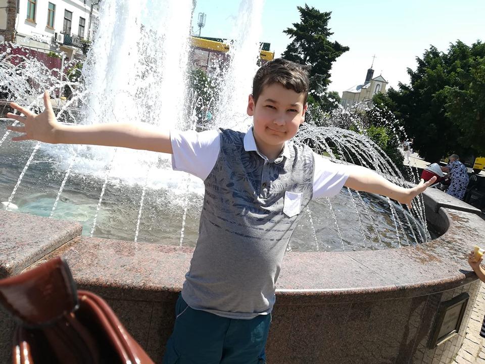 Богом подарована дитина: тяжкохворий хлопчик із Коломийщини мріє про ще одне диво