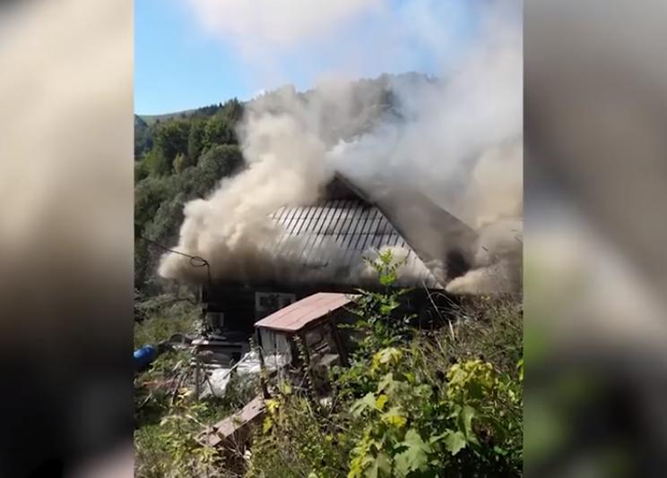 """Результат пошуку зображень за запитом """"На Косівщині загорівся будинок активіста, який виступає проти вирубки лісів"""""""